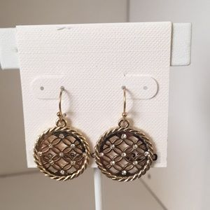 Jewelry - Gold wreath drop earrings